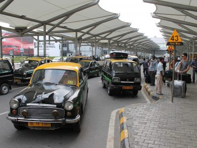 HOW TO GET A TAXI IN DELHI?